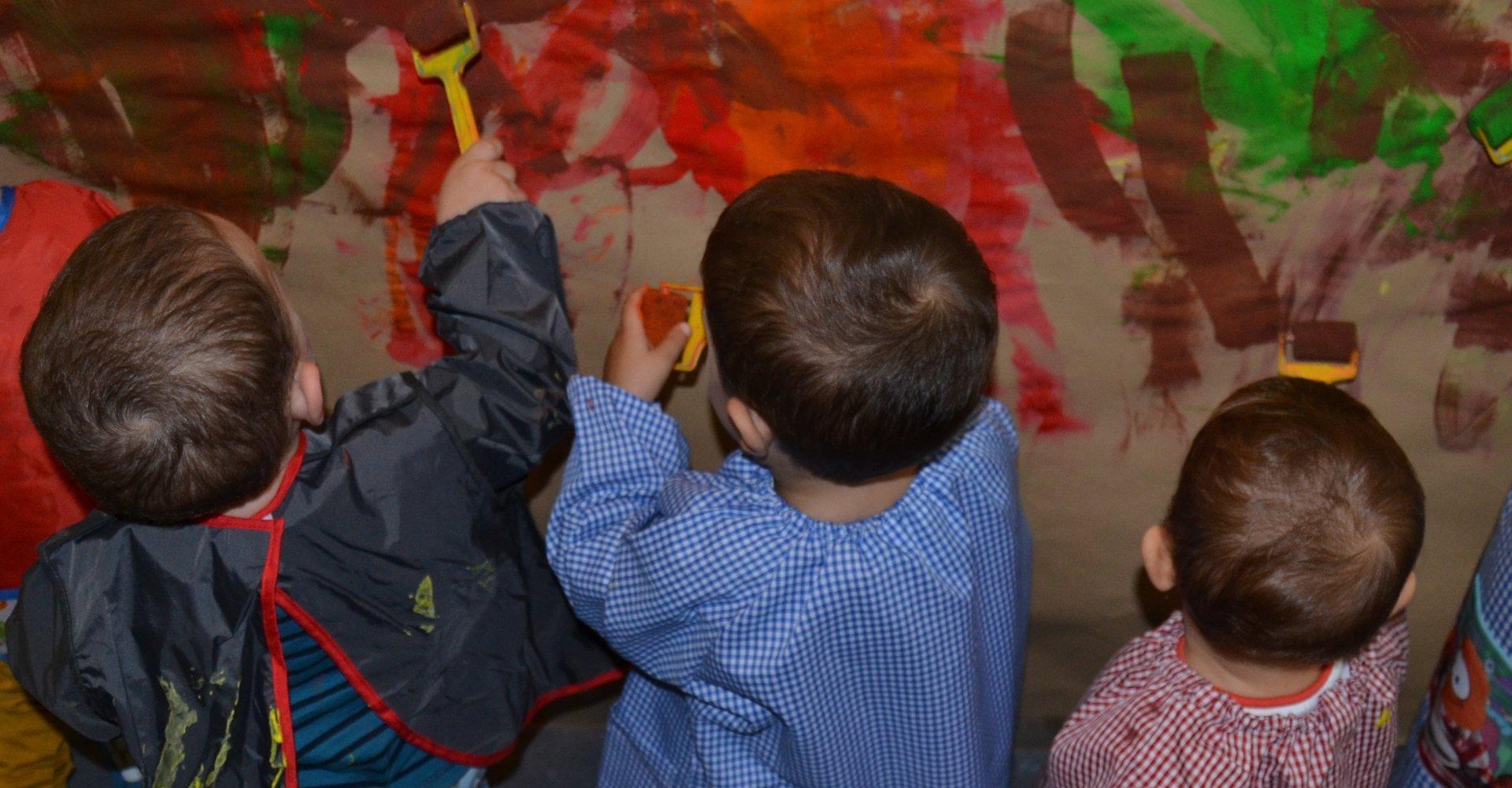 Cavall de Cartró Serveis educatius - Educació infantil - pintura