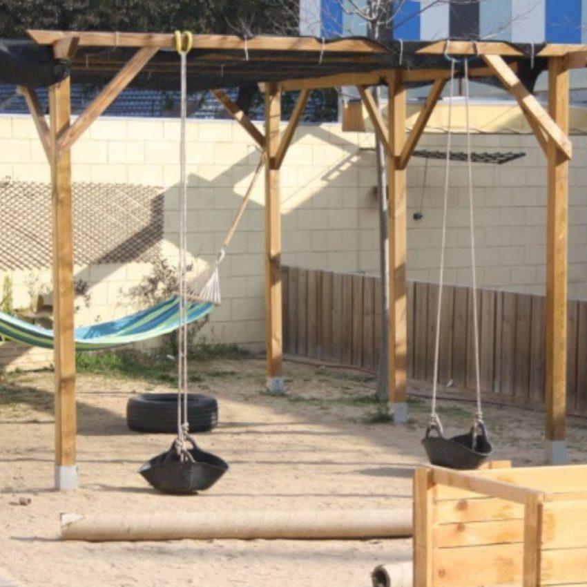 De pati a jardí a les escoles bressol municipals Cavall de Cartró 1De pati a jardí a les escoles bressol municipals Cavall de Cartró 1