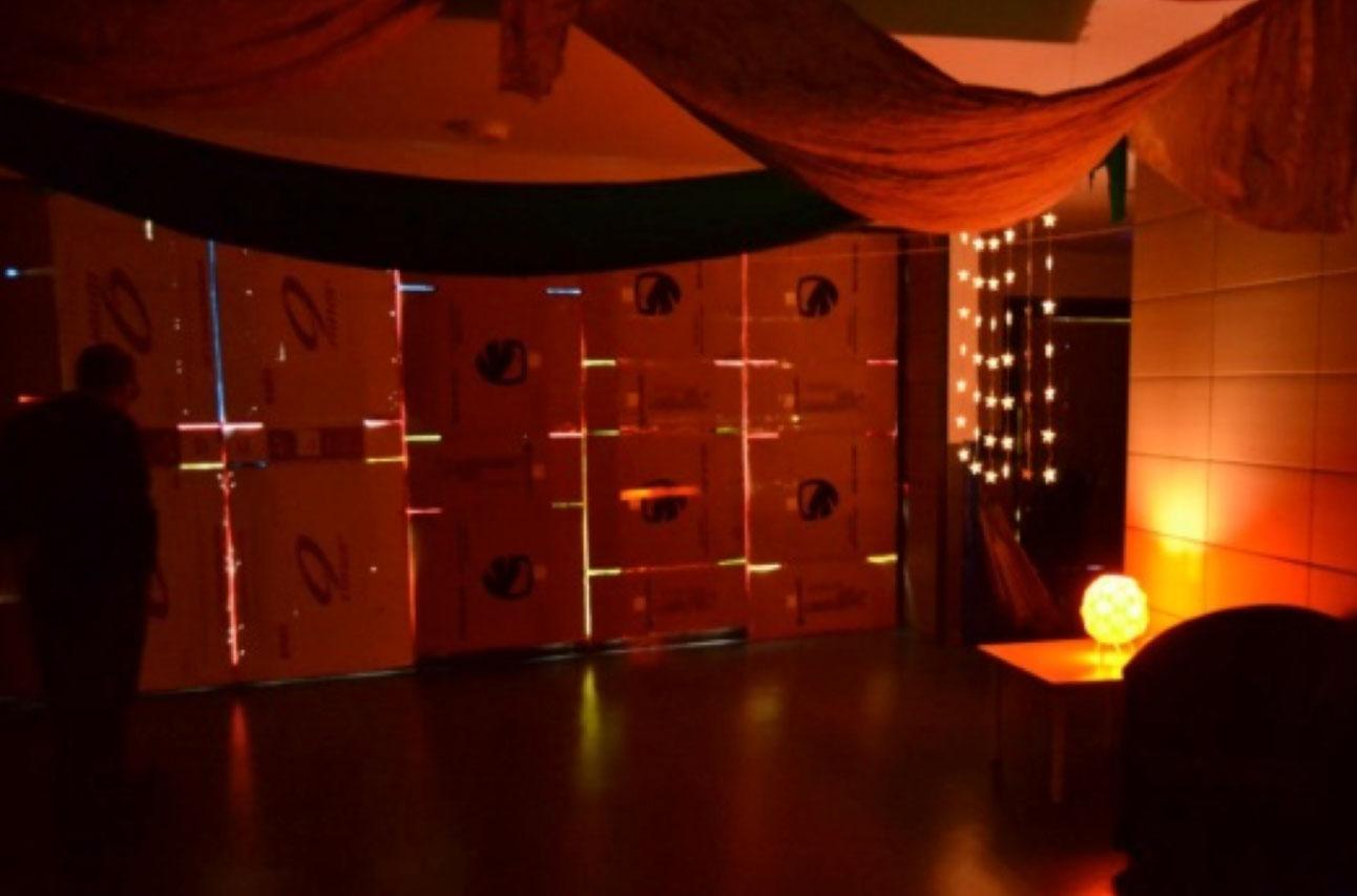 Experiments amb llum a escoles bressol municipals Cavall de Cartró