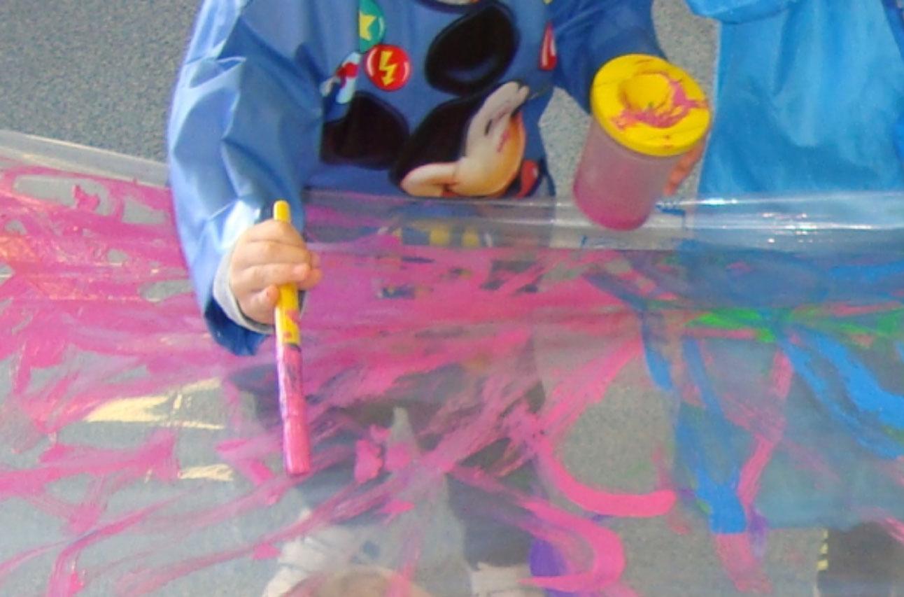 Educació sensorial a llars d'infants municipals Cavall de Cartró