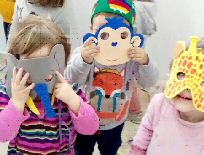 Carnestoltes i màscares per als infants de la Petita Estelada
