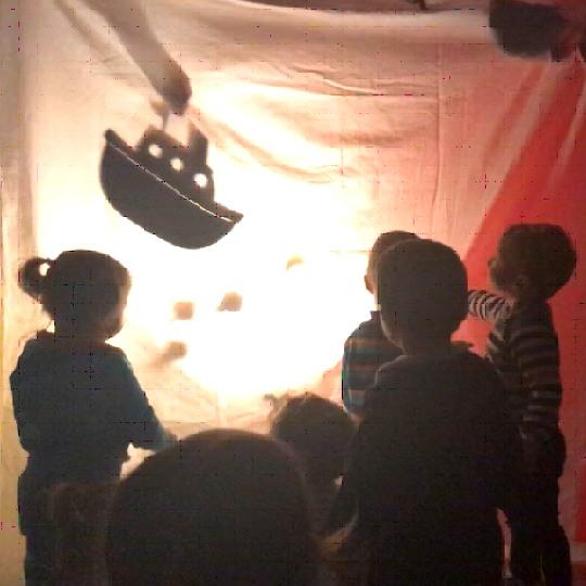 Teatre a les escoles bressol Cavall de Cartró 05