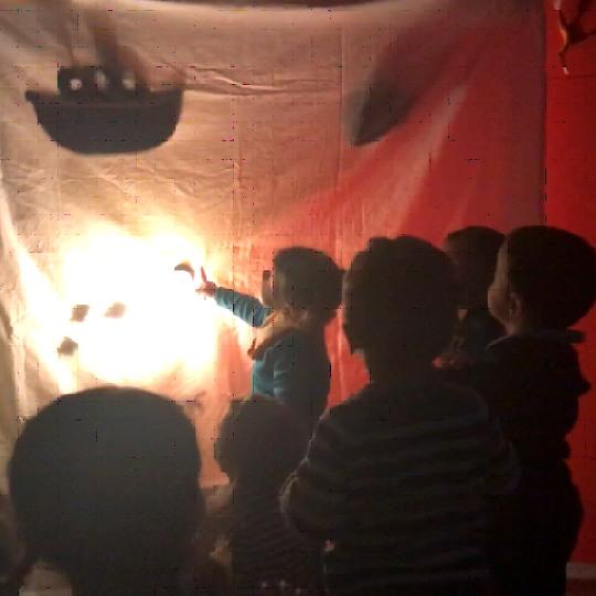 Teatre a les escoles bressol Cavall de Cartró 07